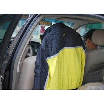 Закачалка за дрехи за кола